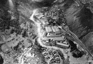Le site industriel de Rioupéroux en 1951 issu des fonds iconographiques de l'Institut d'histoire de l'Aluminium (IHA, FI001_0659)